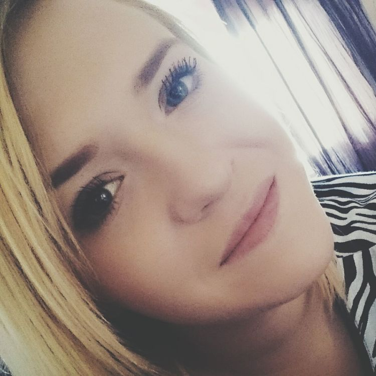 Selfie✌ School Oldphoto Photooftheday Instagood Polishgirl EyeEm Best Shots Love Kiss Tagsforlikes 💋💎