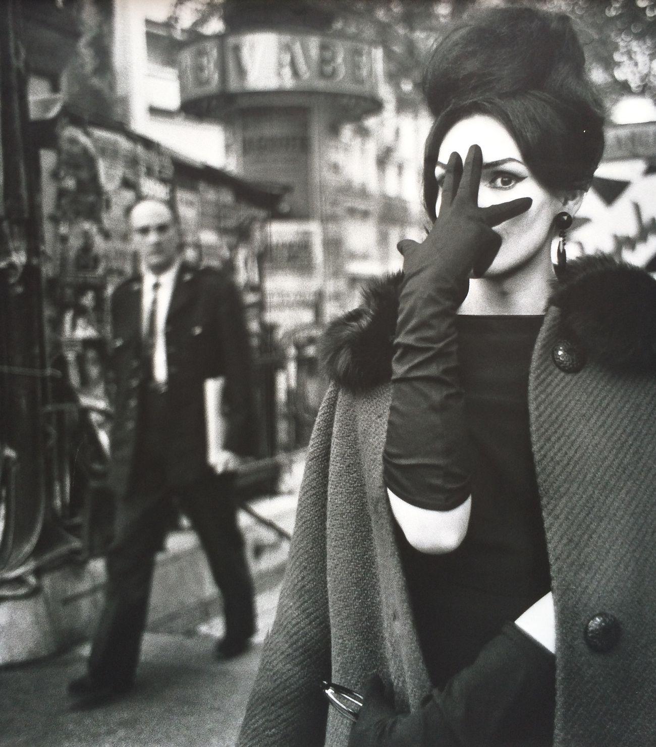 Dreaming Fashion&love&beauty Portrait Fashion Blackandwhite Street Fashion Black And White Streetphoto_bw