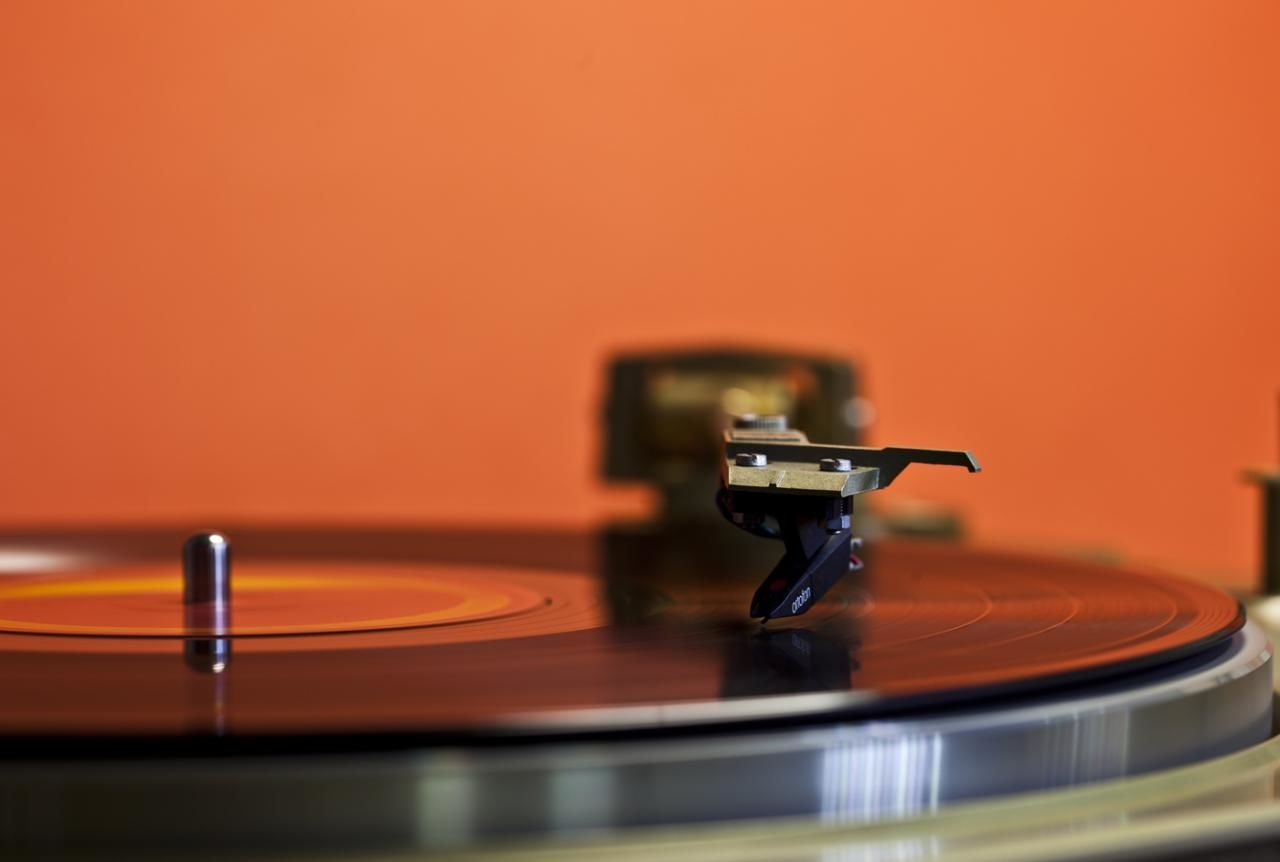 Turn Table Cartridge LP Long Playing Record Objects Object Photography Orange Color