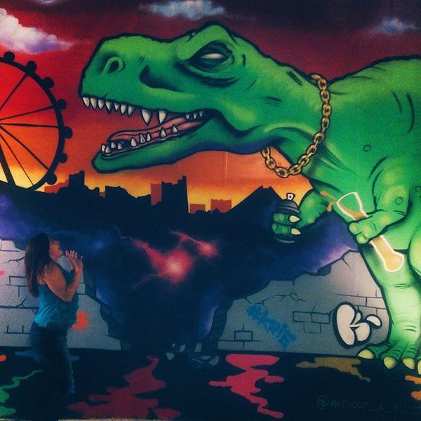 When drunk dinosaurs attack! ? TheLinq Dinosaur Painting Lasvegas vscocam