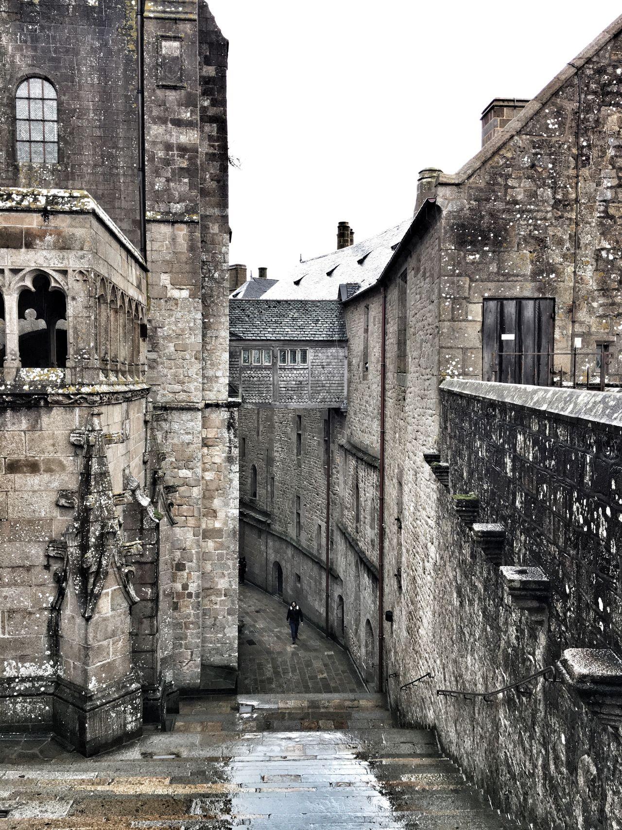 Bretagne Mont Saint-Michel Bay Mont Saint-Michel Architecture Built Structure Building Exterior Travel Destinations History Outdoors No People Sky Day Medieval Ancient Civilization Bretagnetourisme Rainy Days