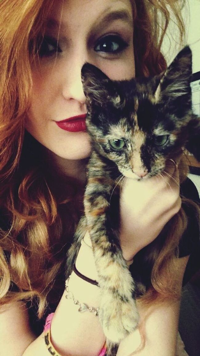 Such A Beauty Little E Abbicat Kitten Red Lips Red Hair Love My Heart My Baby Girl <3 Growing Up Too Fast  The Portraitist - The 2016 EyeEm Awards