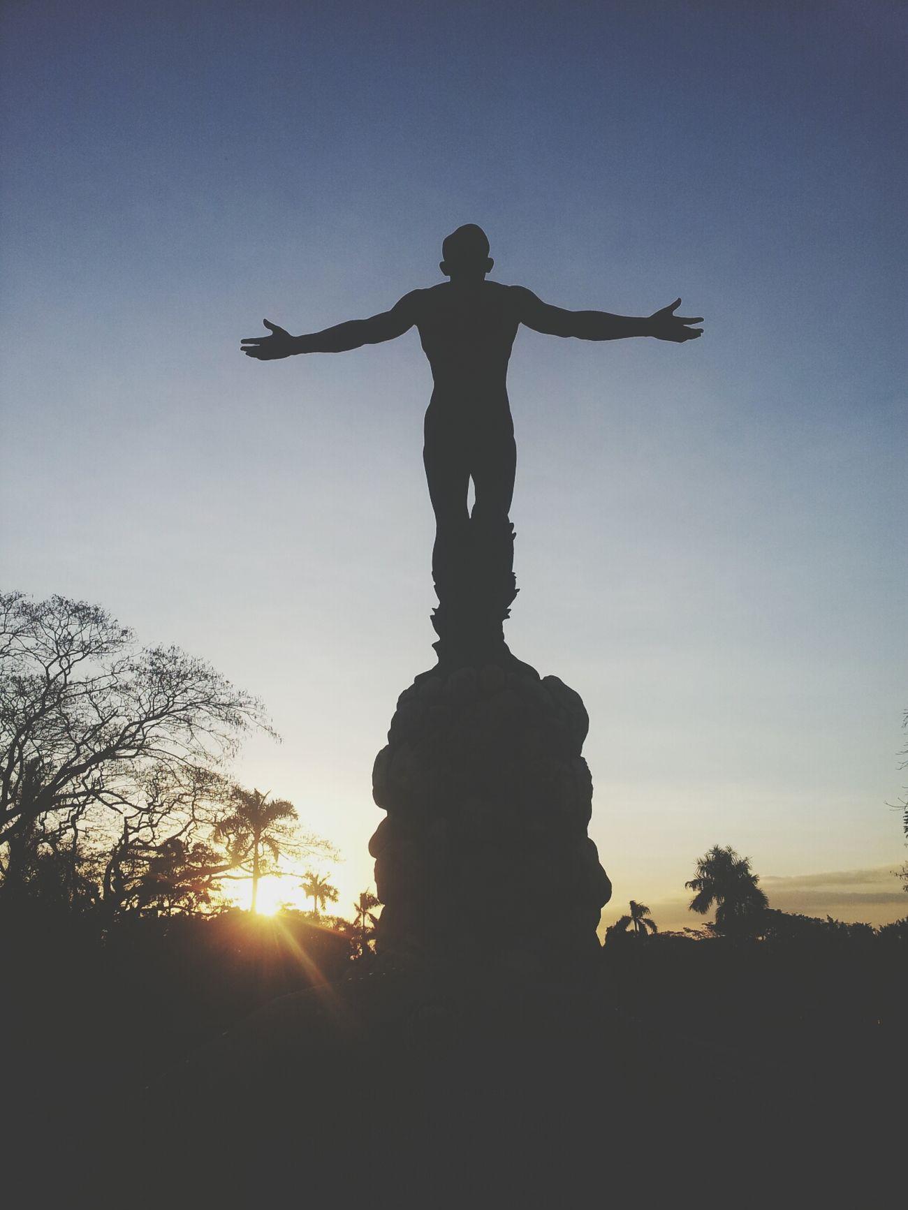 UNIBERSIDAD NG PILIPINAS! ? Philippines Oblation U.P