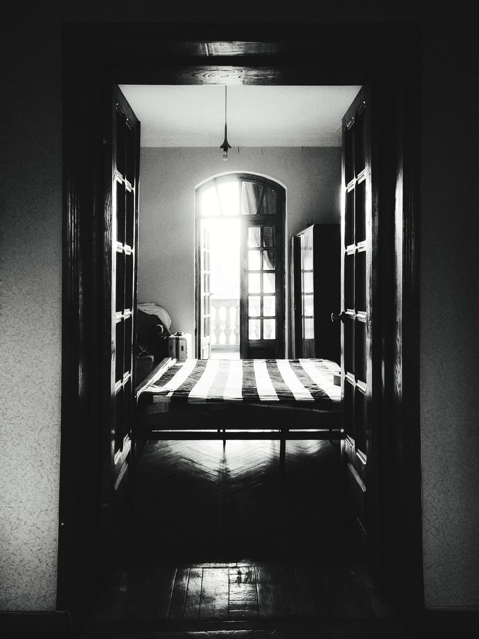 Indoors  Window Architecture Home Interior Built Structure No People Domestic Room Day Blackandwhite