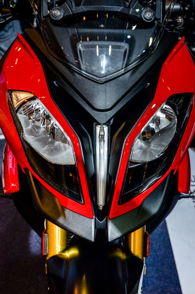 Nice Enduro motorcycle, BMW S1000 XR 1000cc Bigbike Bmw BMW S1000 XR City Life Close Up Close-up Cropped Enduro Headlight Lamps Land Vehicle Lifestyle Luxury Mode Of Transport Motorbike Motorcycle Part Of Transportation