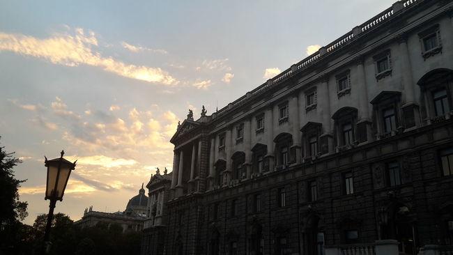 .Vienna. Vienna Burggarten Enyoing Life Sky