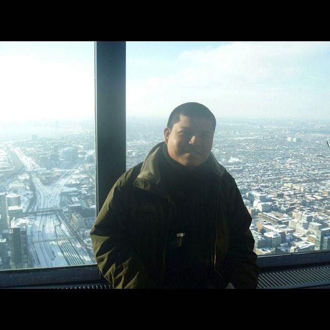 Me CanadianNationalTower View Toronto