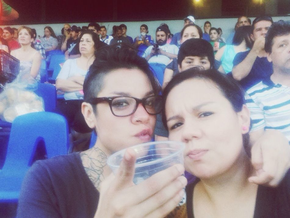 Beis.! Game Baseball ⚾ Sultanes Taking Photos Friends Drinking Beer