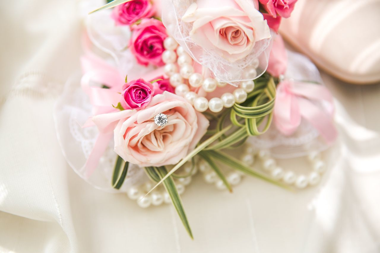 Flower Arrangement Petal Rose - Flower Pink Color In Bloom Love Rings♥ Wedding Photography Bouquet Flower Fragility Freshness Flower Head Close-up Beauty In Nature Indoors  Selective Focus Rosé Nature Bunch Of Flowers Pink Blossom Softness