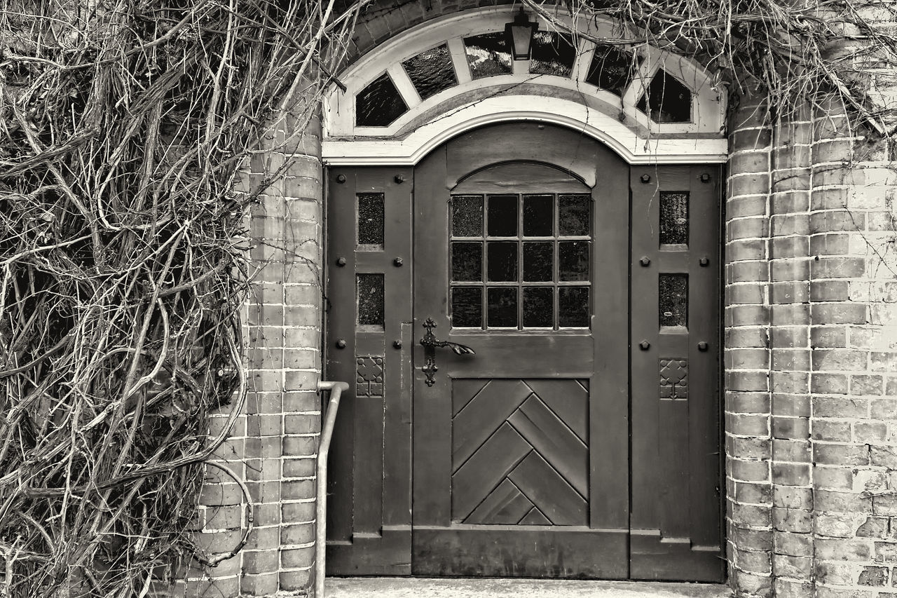Old castle door Architecture Black & White Black And White Blackandwhite Blackandwhite Photography Building Building Exterior Built Structure Bw BW Collection Bw_collection Castle Castle Door Door Monochrome Monochrome Photography No People Old Old Buildings Old-fashioned Outdoors Sepia Photography Sepia_collection Vintage Vintage Style