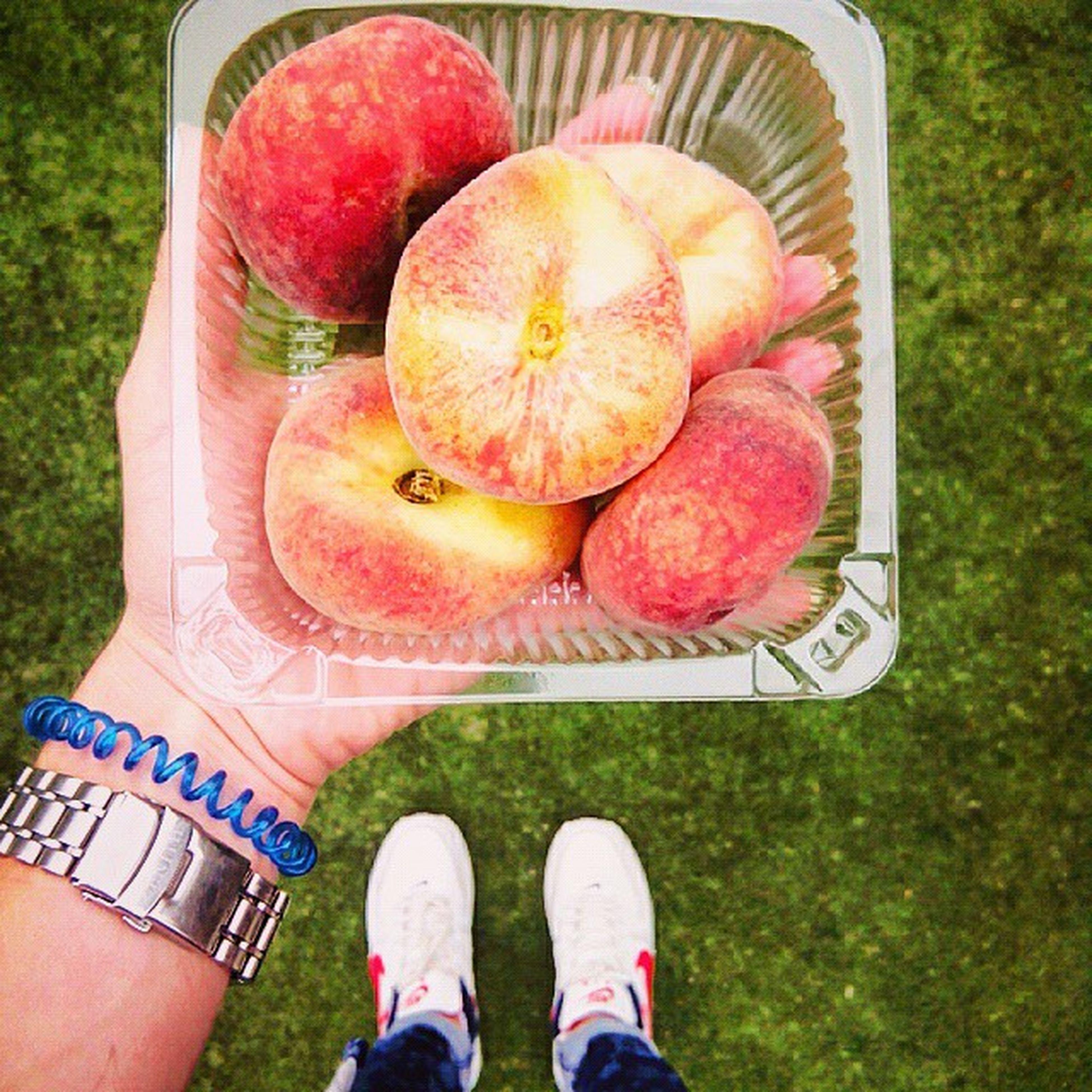 Что нужно для счастья? -Персик(инжир)🍑💛 пикник зелень  фрукты Жизнь в ярких тонах полезное Лето2015 персик инжир