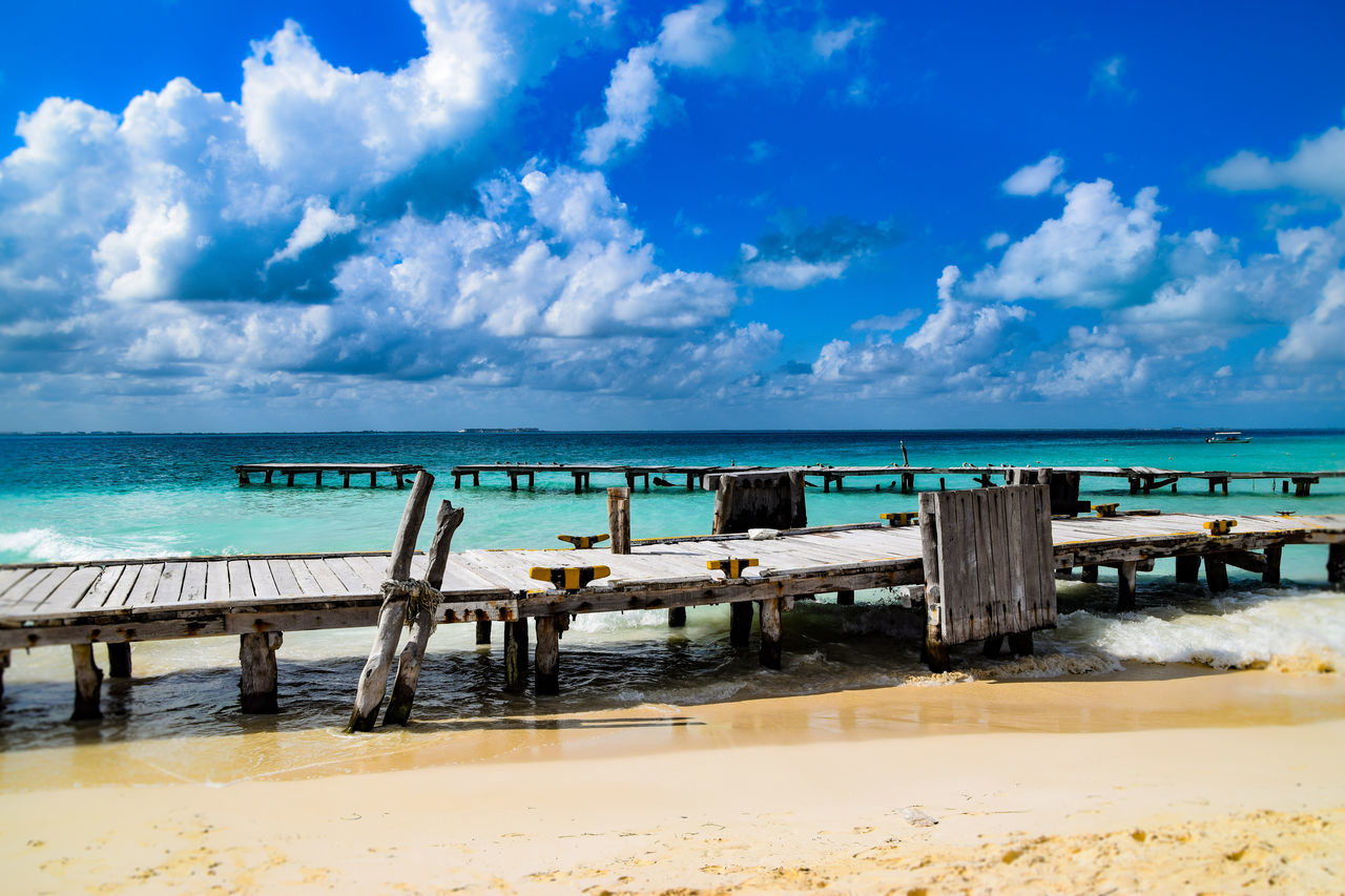 Caribbean feeling at the piers of Isla Mujeres, México! Sea Beach Water Sky Blue Horizon Over Water Nature Postcard No People Beauty In Nature Pier Sand Landscape Cloud - Sky Coastline Travels Traveltheworld EyeEm Gallery Travelphotography Naturephotography EyeEmNewHere Travel Photography Nature_collection Mexico Isla Mujeres Mexico