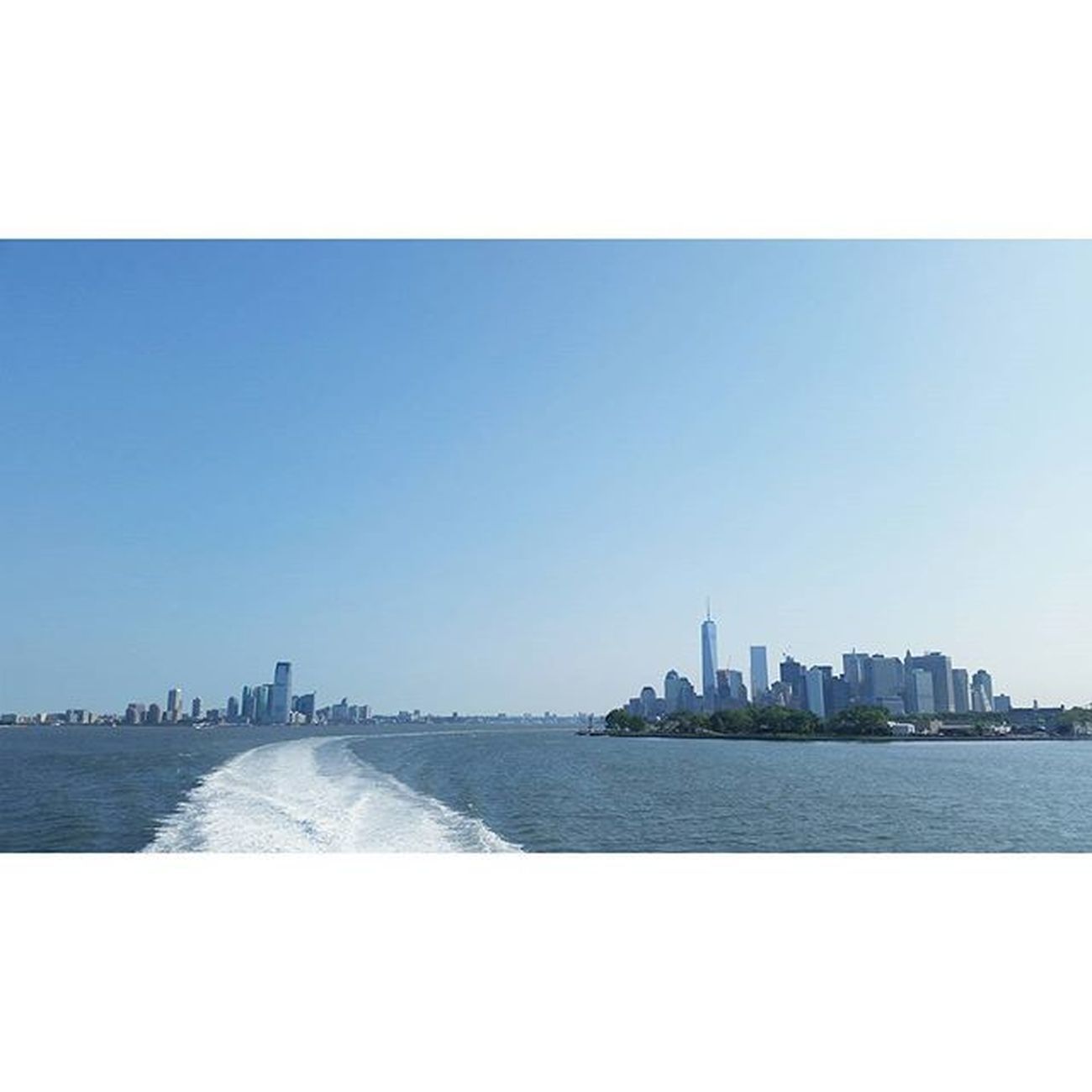4thofjulyweekend 4thofjuly Holidays Newyorkcity Instanyc WTC Wallstreet Newjersey Newyork Skyline Newyorker Watertaxi Instadaily Instamood Instamoment Bluesky Photooftheday Beautifuldestinations Beach Blueskies Sandyhooknj Seastreakferry Eastriver Cb_travellogs