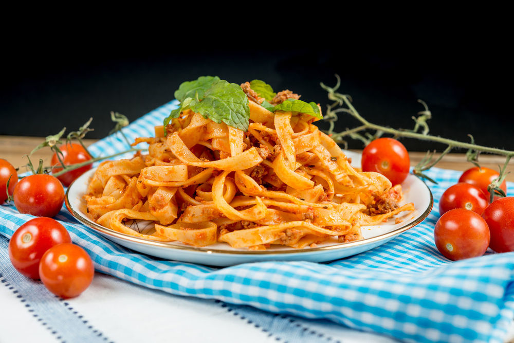 Arugula Close-up Dish Towel Food Food And Drink Freshness Meal Meat Sauce Minced No People Pasta Ready-to-eat Salad Tagliatelle Tomato