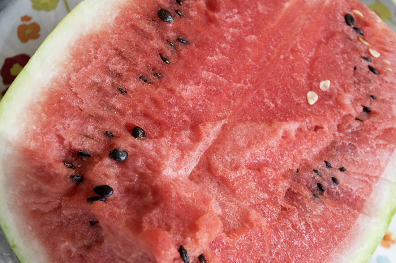 fresh summer watermelon Cube Cut Half Melon Melon Seeds Red Water Watermelon