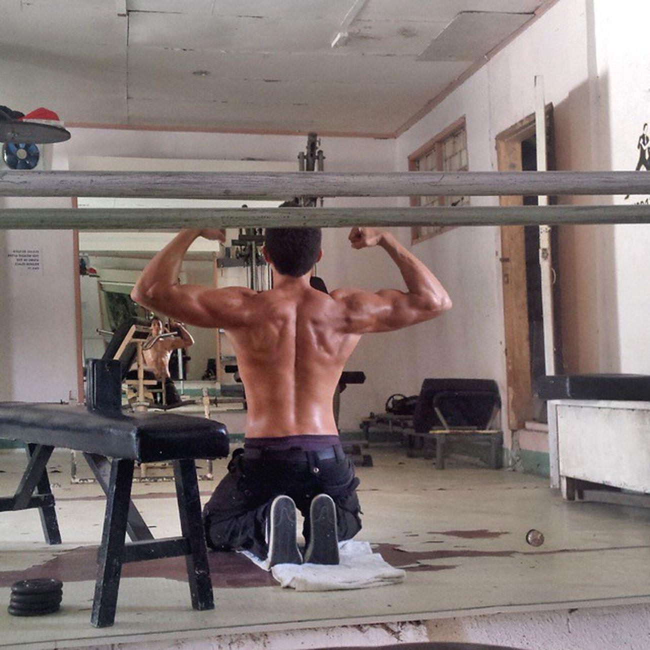 Gains Back Gym Bakithegrappler Yujiro Pinoy German Philippines Keto Shred Macros Rows Latpulldown Viccosta Natty Lift Splitsessions Fit Progress
