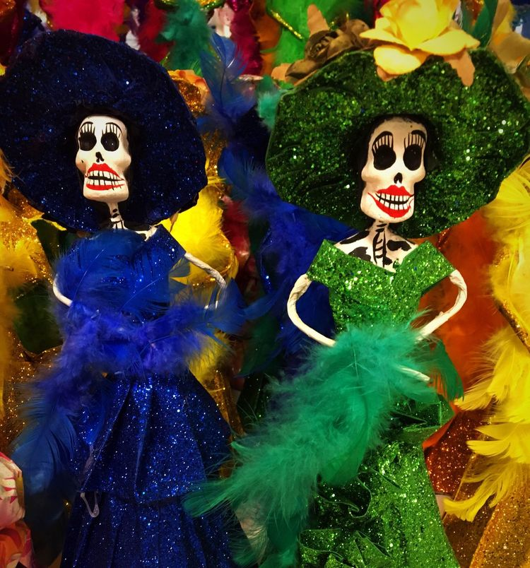 La Catrina ~ Cultures Celebration MexicanTradition Mexican Art Mexico Skeleton Tradition Multi Colored