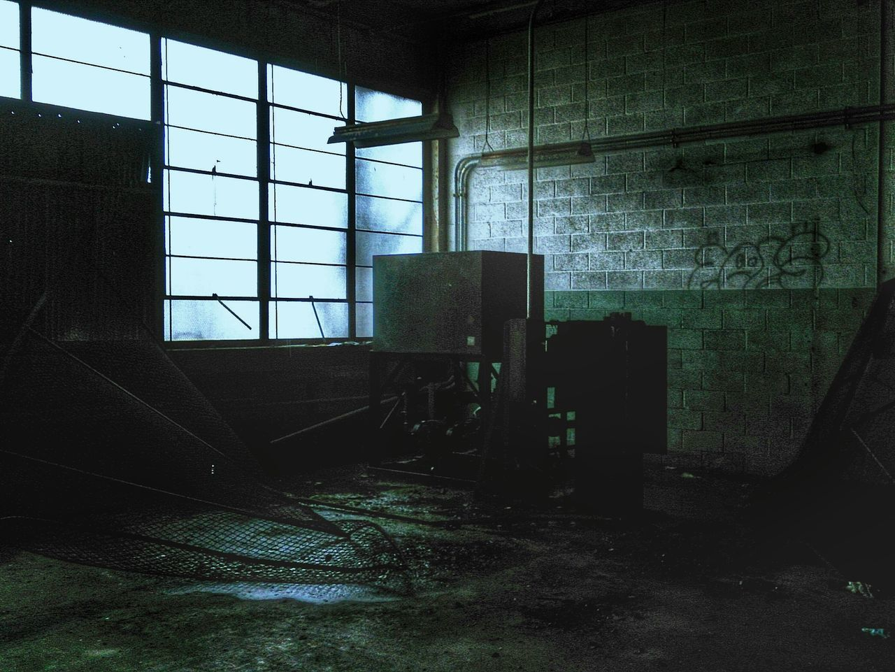 window, abandoned, indoors, architecture, built structure, damaged, destruction, no people, day