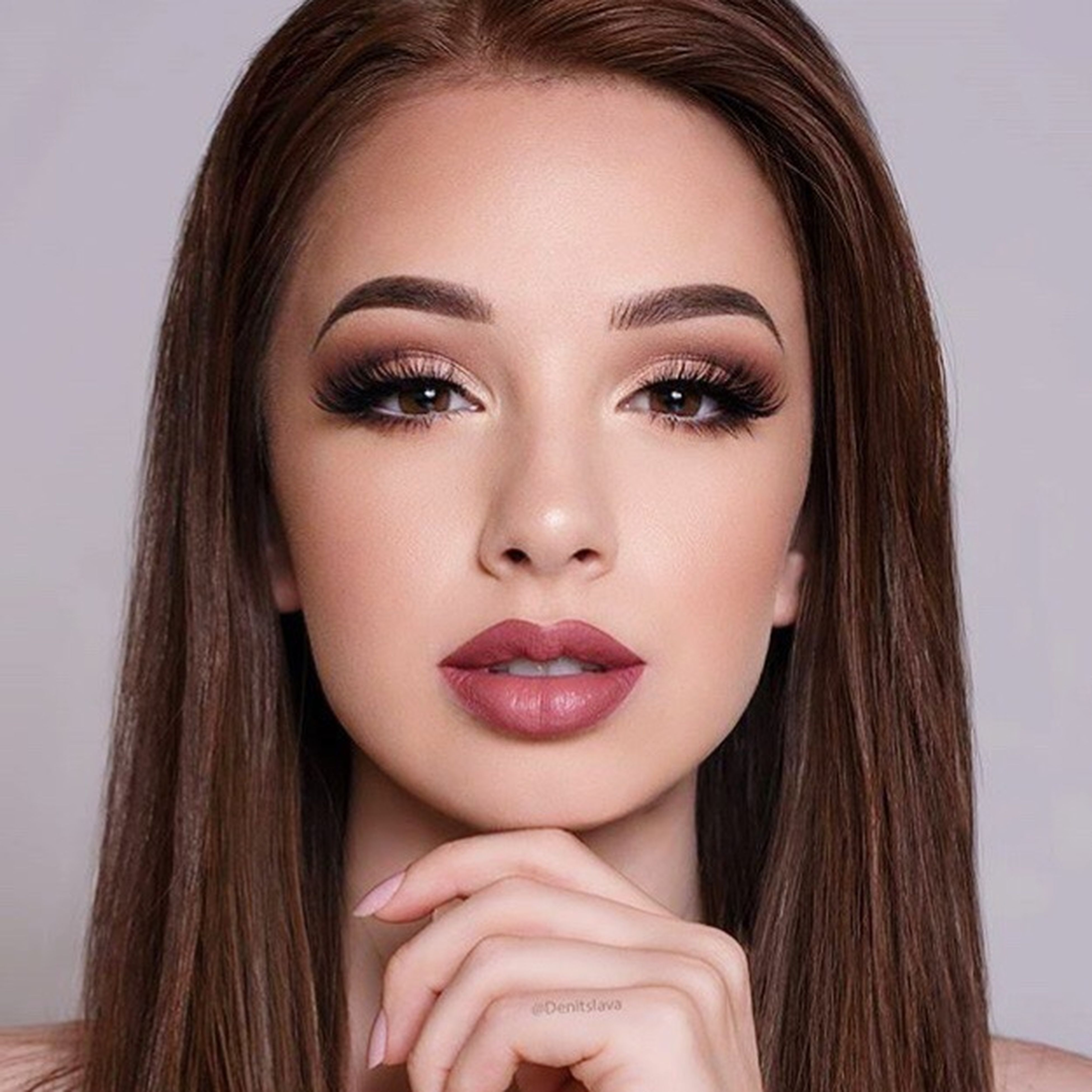 young women, young adult, looking at camera, portrait, person, headshot, beauty, long hair, lifestyles, red lipstick, femininity, front view, make-up, human lips, human face, pink color, eyeshadow
