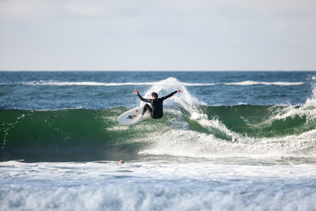 summer surfing in light swell Beauty In Nature Extreme Sports Full Length Horizon Over Water Leisure Activity Lifestyles Motion Nature Norway Norway🇳🇴 Outdoors Scenics Sea Sport Surf Surf Photography Surfing Water Waterfront Wave Weekend Activities EyeEm Selects