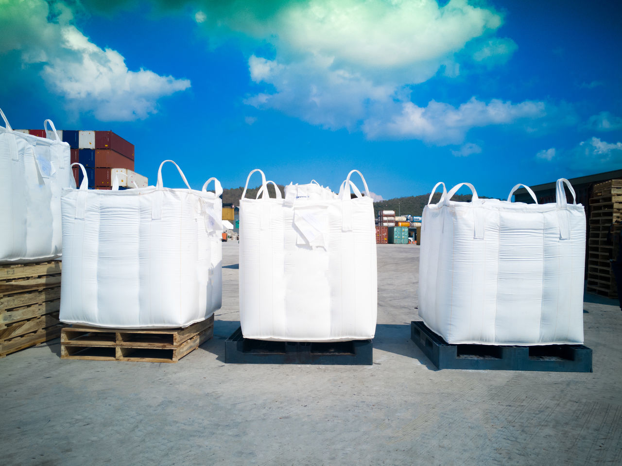 Tapioca in jumbo bsgs on pallet Business Finance And Industry Cloud - Sky Abundance Factory Industry Warehouse Day Business Sky No People Outdoors warehouse tapioca starch storage stuffing stack packaging Industrylogistics Delivery equipment Loading discharging Freight flour Bulk import Export Row rice Sugar Season  BIG Bag Environmental forklift Port Sacks