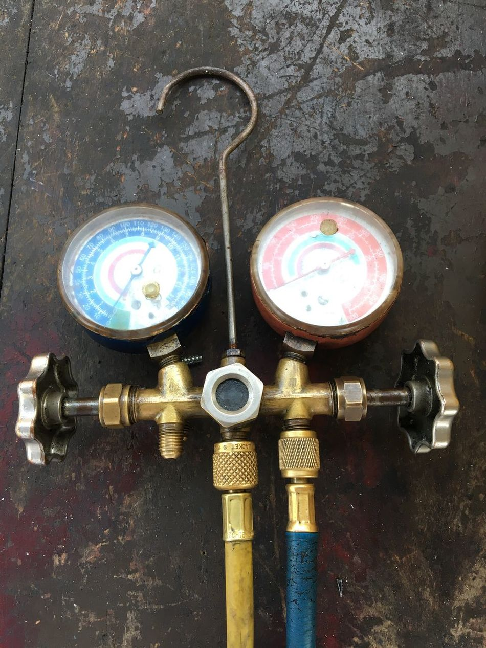 Pipe - Tube Pressure Gauge Gauge No People Machine Valve Valve Industry Water Pipe Close-up Indoors  Factory Day EyeEm Eye4photography  EyeEmNewHere EyeEm Best Shots Work Colors