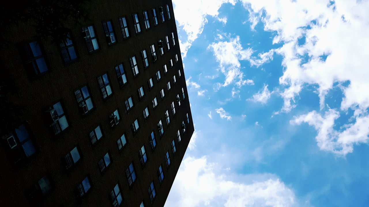 Architecture Details Architecture_collection Architecture Architecture Photography Bigbuilding Check This Out T Blue Sky White Clouds Clouds Collection Phenomenons