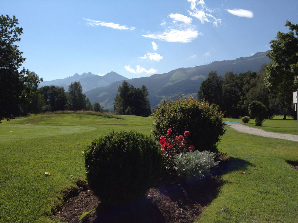 Golfing in Zell am See by IWolf