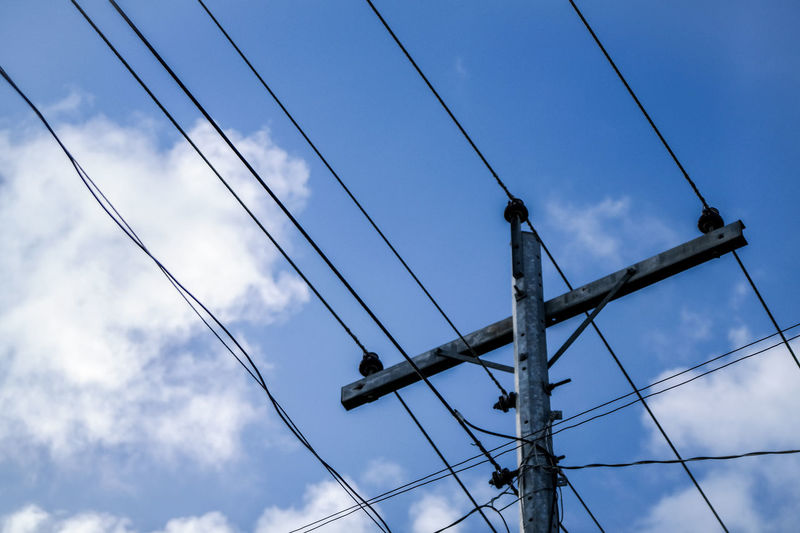 rehash Cliche Electric Wire Lookingup Low Angle View Nothing To Photograph Power Line