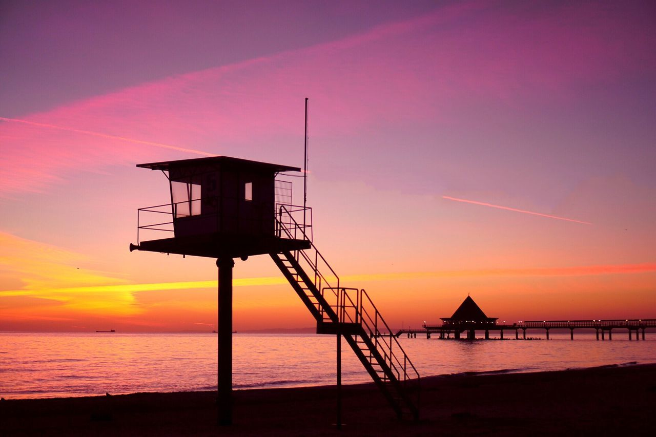Sunrise Good Morning Sea Sunset Silhouette Built Structure Water Horizon Over Water Sky Lifeguard Hut Scenics Nature Architecture Tranquil Scene Beach Beauty In Nature Tranquility No People Outdoors Lifeguard  Building Exterior Real Photography Baltic Sea Heringsdorf