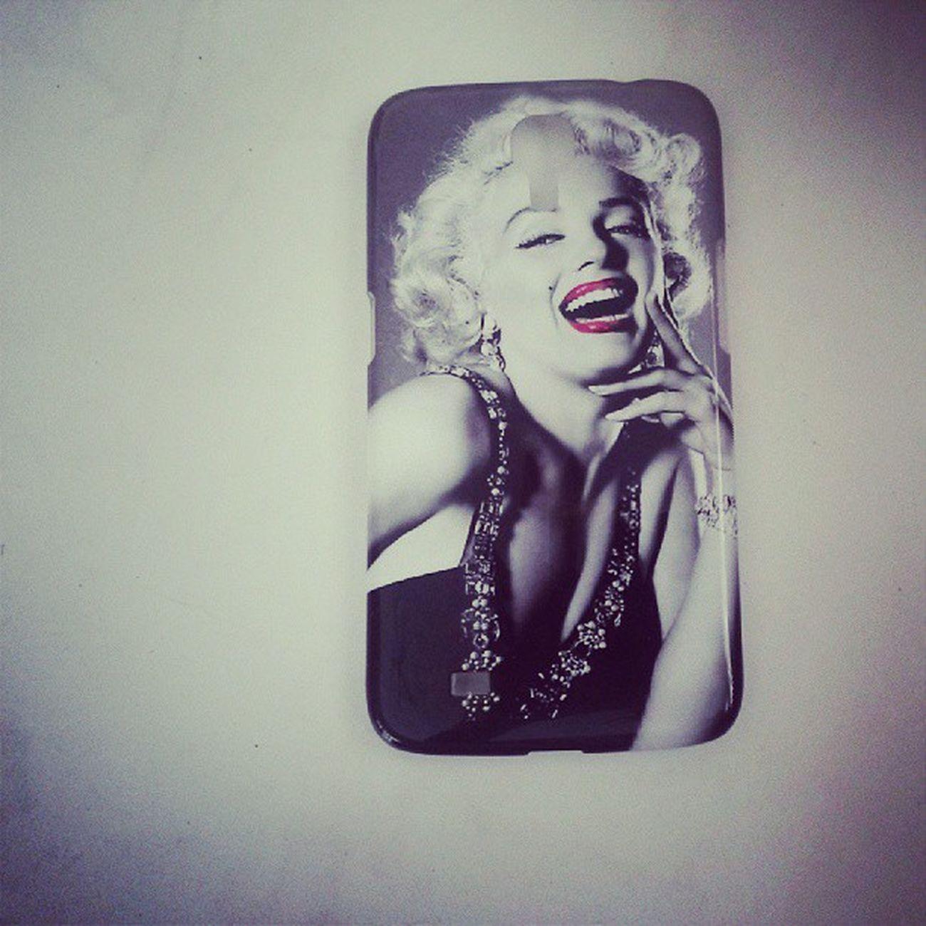Marilynmonreo huhuhu telefon kabim :D ♡♡♡♡♡♡