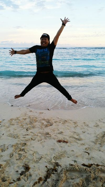 Air jump Padang Padang Beach - Bali