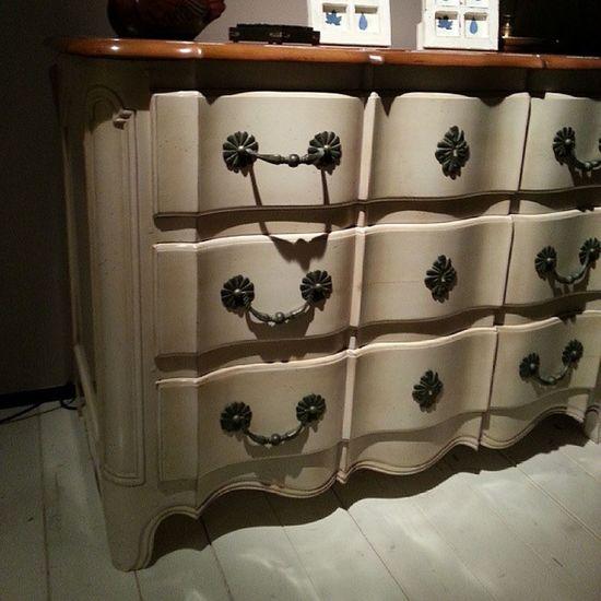 Buy particular furniture on www.fedelehome.com ( Interior Grange Homeinterior Morelato LoiusPoulsen memphis design desalto zanotta)