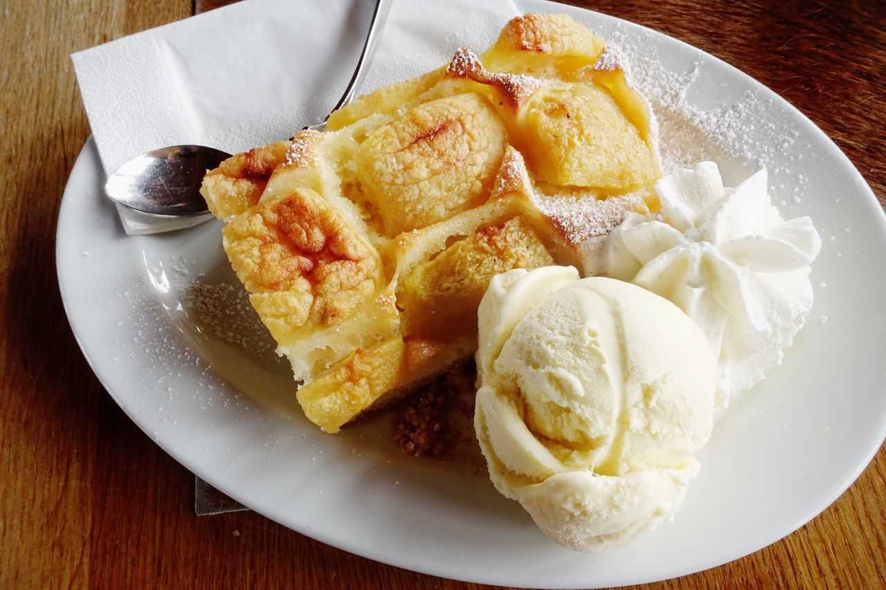 Apple cake with vanilla ice cream and cake Plate Food Food And Drink Ready-to-eat No People Indulgence Sweet Food Apple Pie Close-up German Food Cake Ice Cream Tradition Germany Apfelkuchen  Kuchen