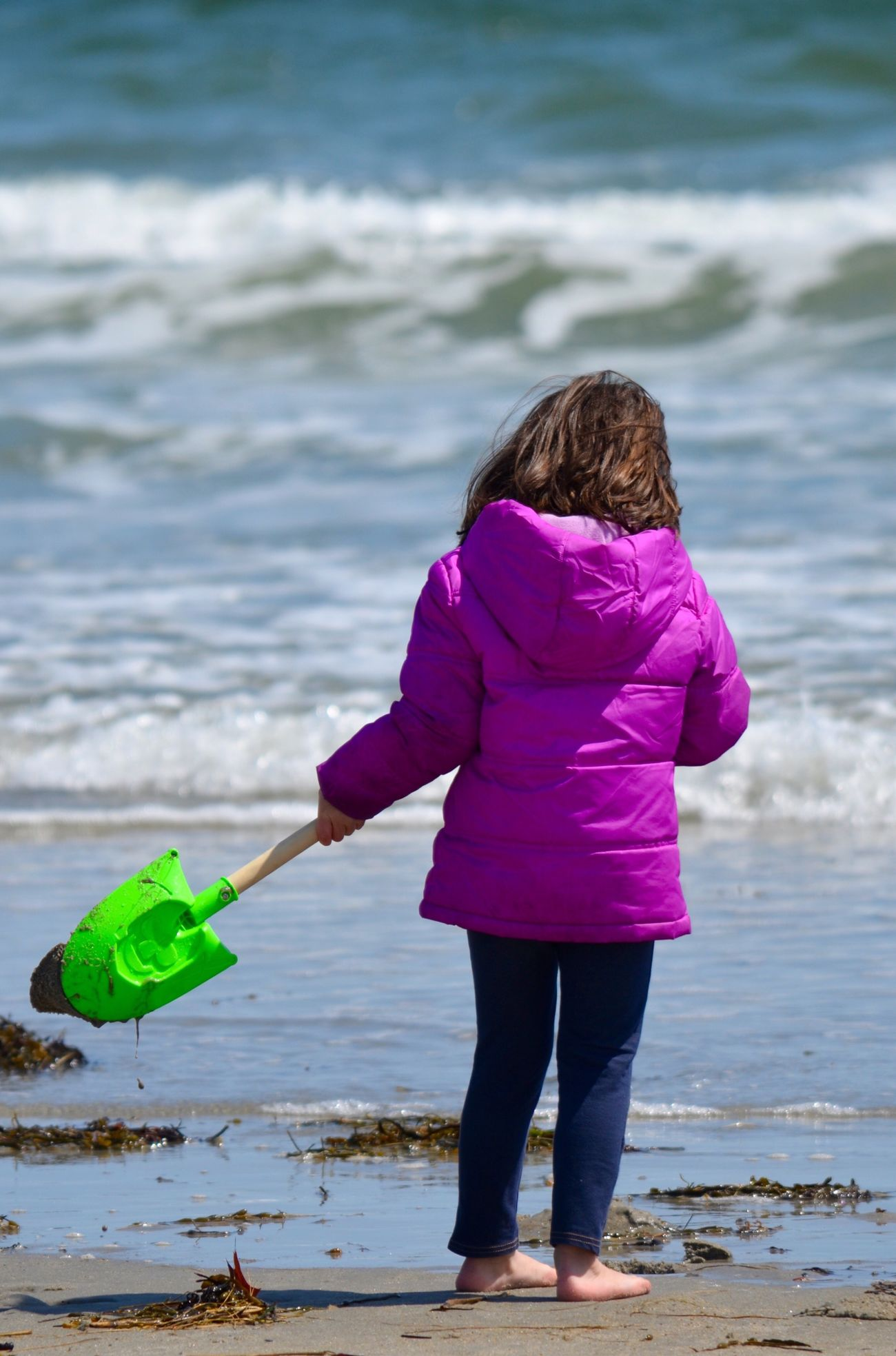 Water One Person Real People Childhood Full Length Sea Rear View Leisure Activity Girls Lifestyles Outdoors Nature Standing Beach Day Beauty In Nature People Beach Fun Ocean Photography Childhood Fun In The Moment Barefoot Digging In Sand