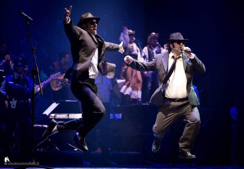 The Blues Brothers Dancing Music Concertphotography Music Brings Us Togheter Music Photography  Teather Everybody Needs Somebody Sometimes Elwood Jake Blues