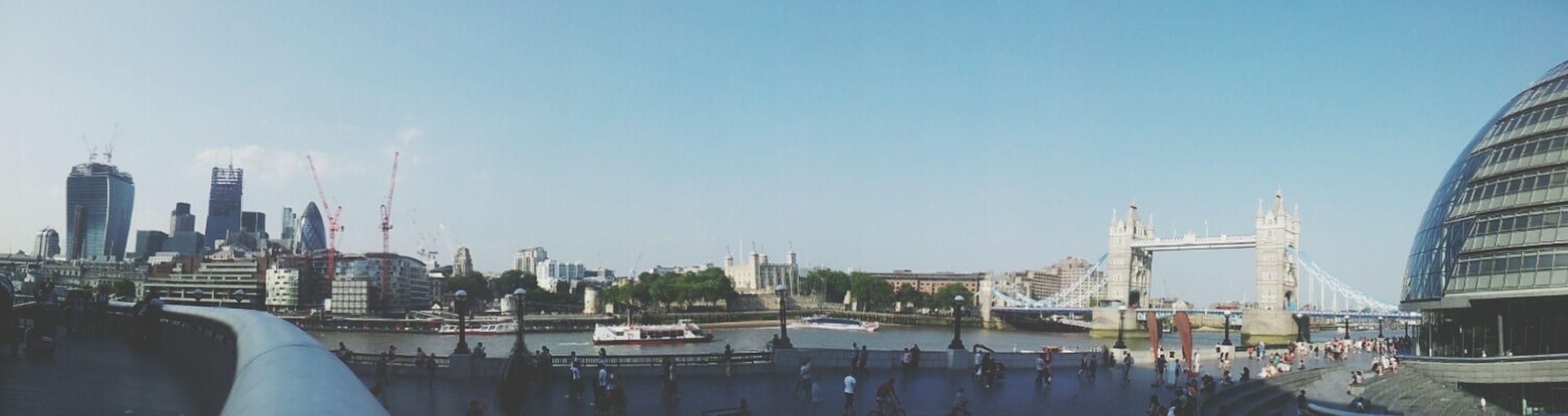 London Tower Bridge  Miss It Panorámica