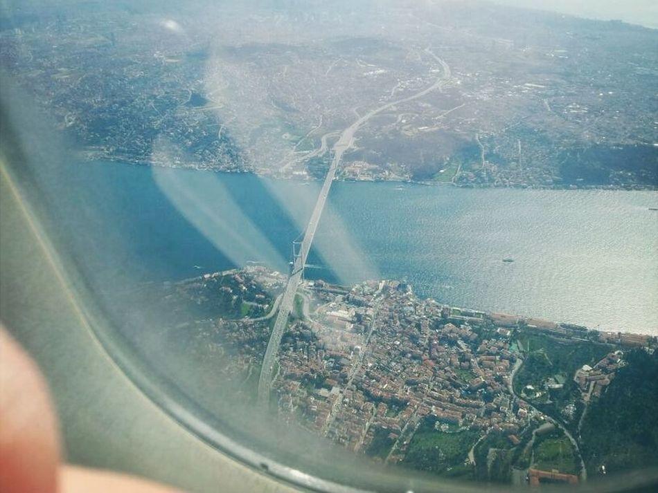 über Den Wolken Airplane