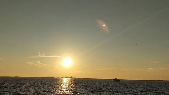 Good morning from the Beautiful Emeraldcoast LoveFl Navarre Navarrebeach Sunrise Boat Reflections on the Water HTCOneM9 Htconelife Oneography 20 .7mp @htc @HTCUSA @HTC_UK @HTCelevate @HTCMEA @HTC_IN @HTCIreland @HTCCanada @HTCMalaysia @htcsouthasia @htcfrance TeamHTC @sharealittlesunshine @pureflorida Beachlife