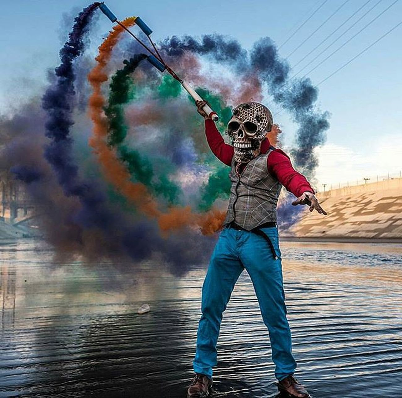 📷 images: @butch_locsin_from_la photographer: @d.clarke.photography ----------------------------------------------------------- Skull Smokebomb Colorful Colors Epic Instagram Awesome Water Smokecolor Tagsforlikes Likes Smoke Colors StreetActivity Success Streetmobs Streetstyle Skullmask Enjoy Moodygrams Smokestoreid Sugarskull Mask Follow Picture lifeanddeath street facelessminds magazine colorbomb photo @awesome_pixels @exaperture
