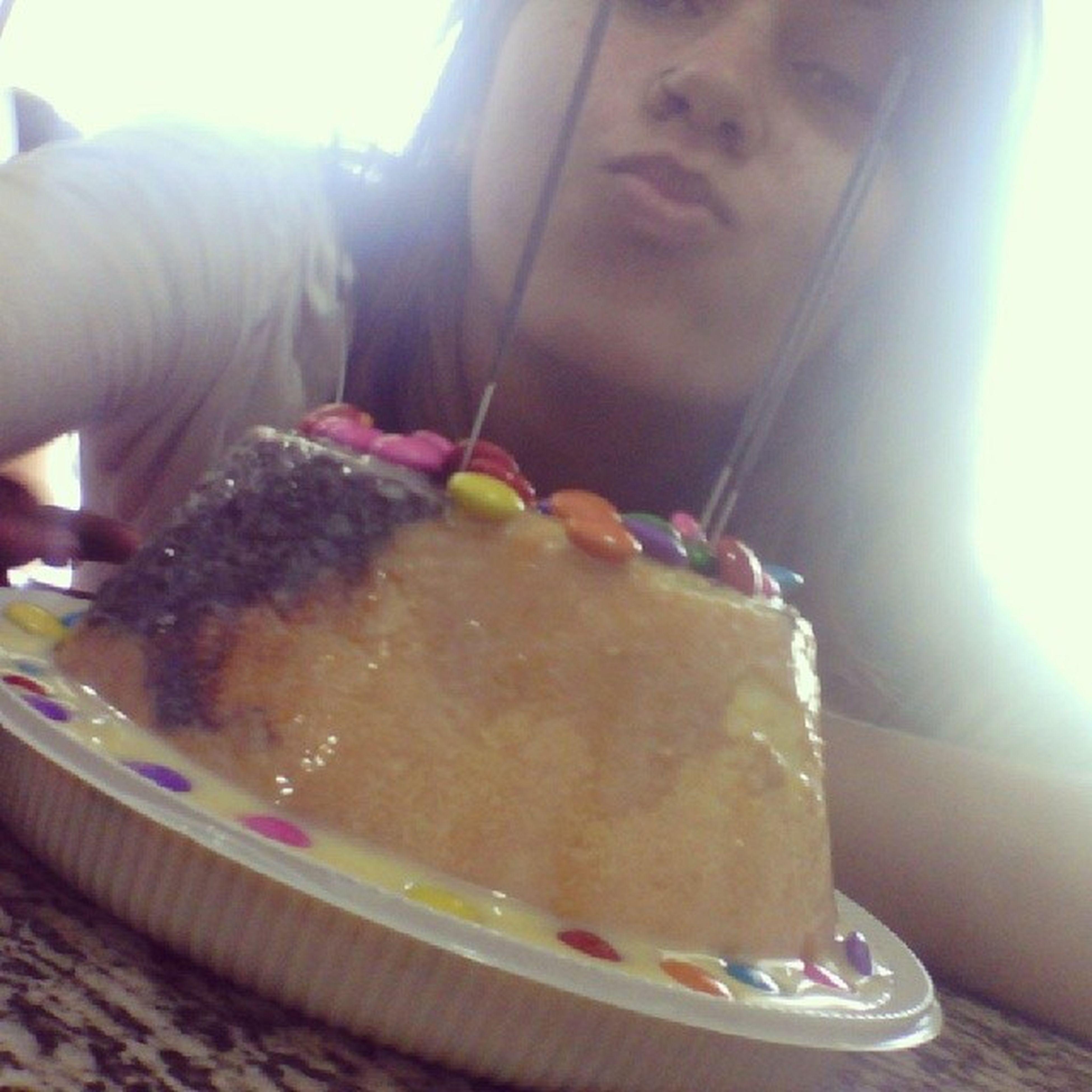 Dois bolos, duas comemorações. Melhor colegas de trabalho do mundo!!! Comicomi Feliz Tivedoisbolos Gorda diabetes1000 s2
