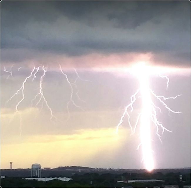 Amazing_captures New Braunfels Texas Stormsky Awesome_changing_nature Lightening Strike Natures Diversities