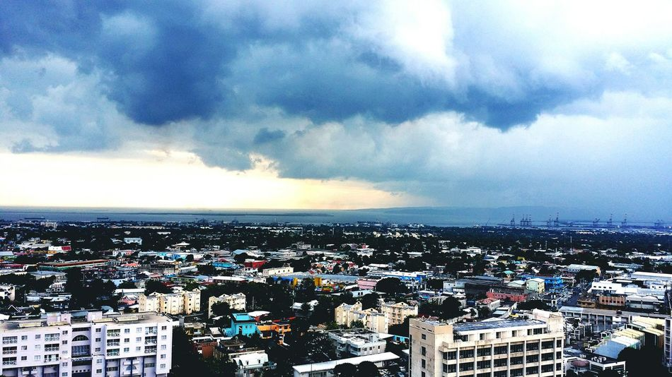 Rain Jamaica Jamaica RainyDays I Love The Rain Its About To Pour Darkskies Kingston Stormy Weather Storm Clouds