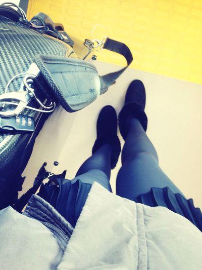今日も演奏会…灰色と黒の人なコーデです Travelingfoot Boots