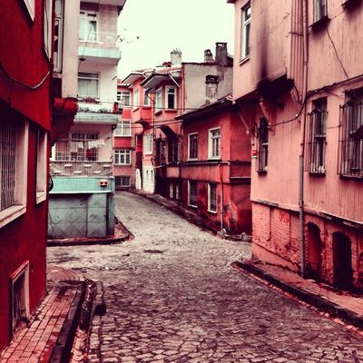 Hello world in İstanbul by Koraykirca