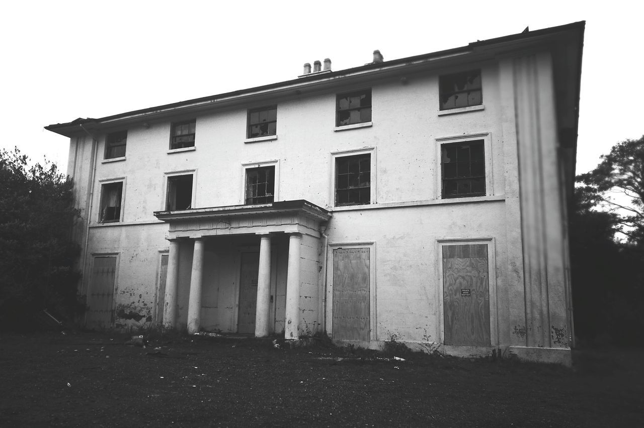 Architecture Building Exterior Mansion Chaos Manor Abandoned No People Blackandwhite
