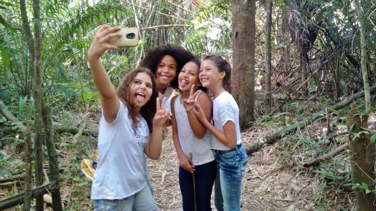 Adult Adults Only Casual Clothing Cheerful Day Forest Friendship Fun Group Of People Happiness Holding Human Body Part Nature Outdoors People Portrait Smiles :) Smiling Standing Togetherness Tree Women Dont Select Young Adult Young Women