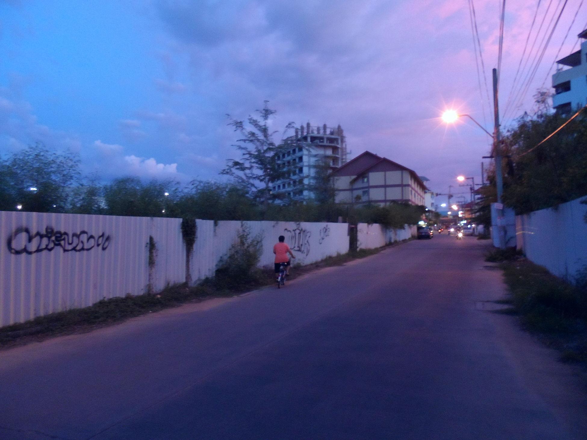 Neighbourhood in the Morning ........ Everyday Life Urban