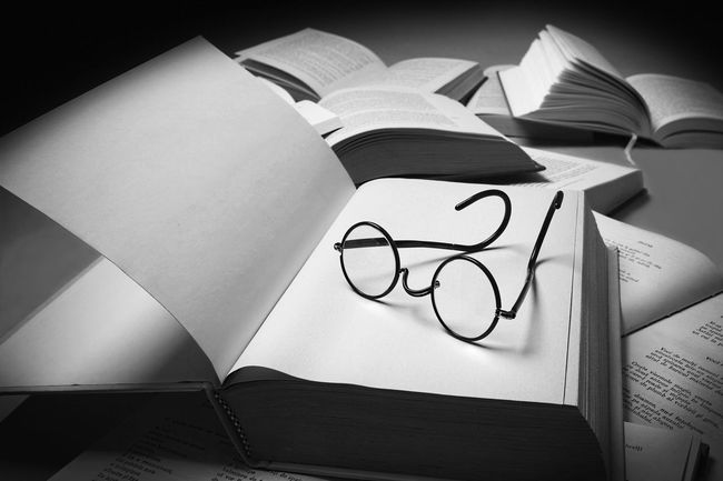 Black And White Books ♥ Glasses I Read It Library Open Page Read Reading Text