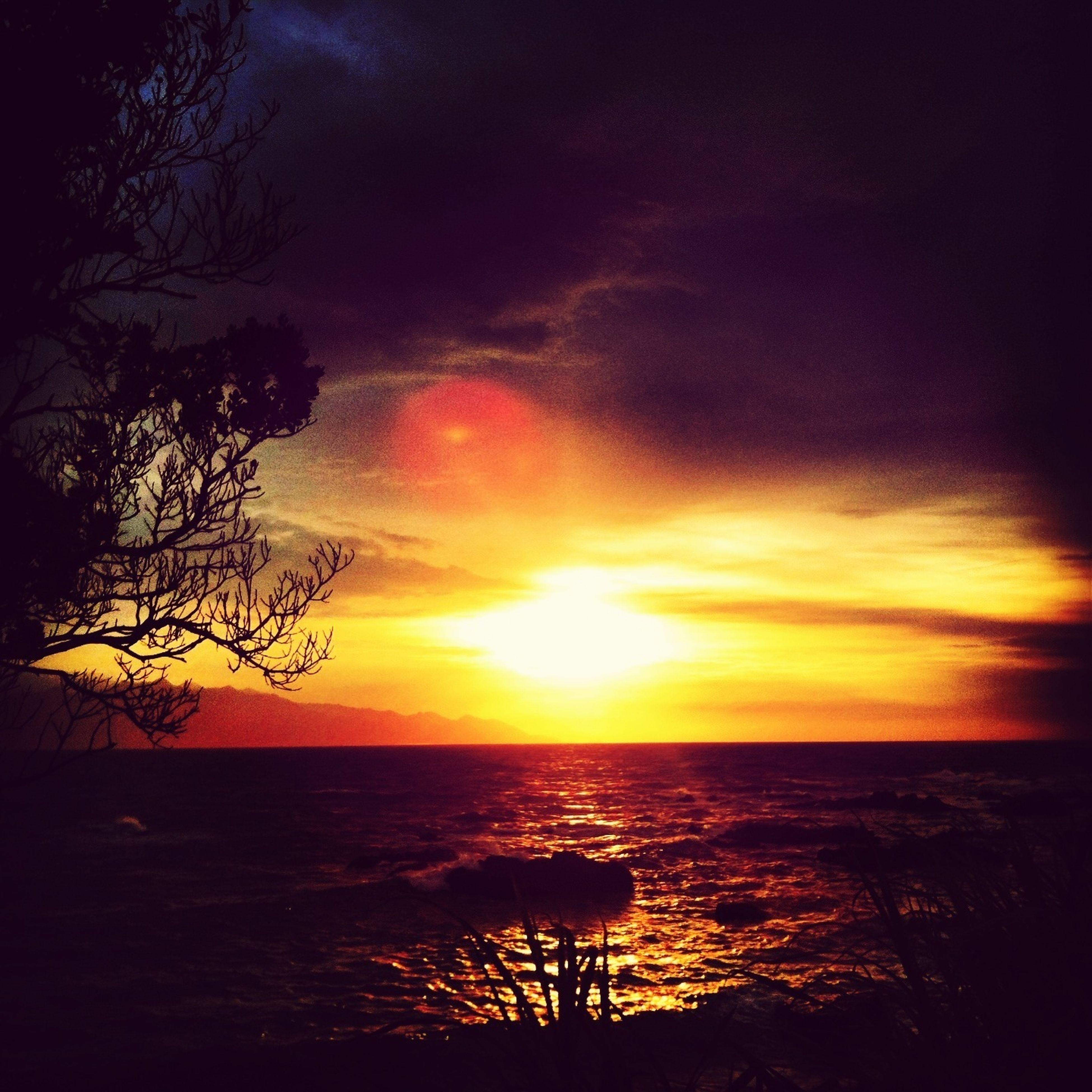 Sunset #sun #clouds #skylovers #sky #nature #beautifulinnature #naturalbeauty #photography #landscape Sun_collection, Sky_collection, Cloudporn, Skyporn Summertime 向こうに見えるのは屋久島(ت)